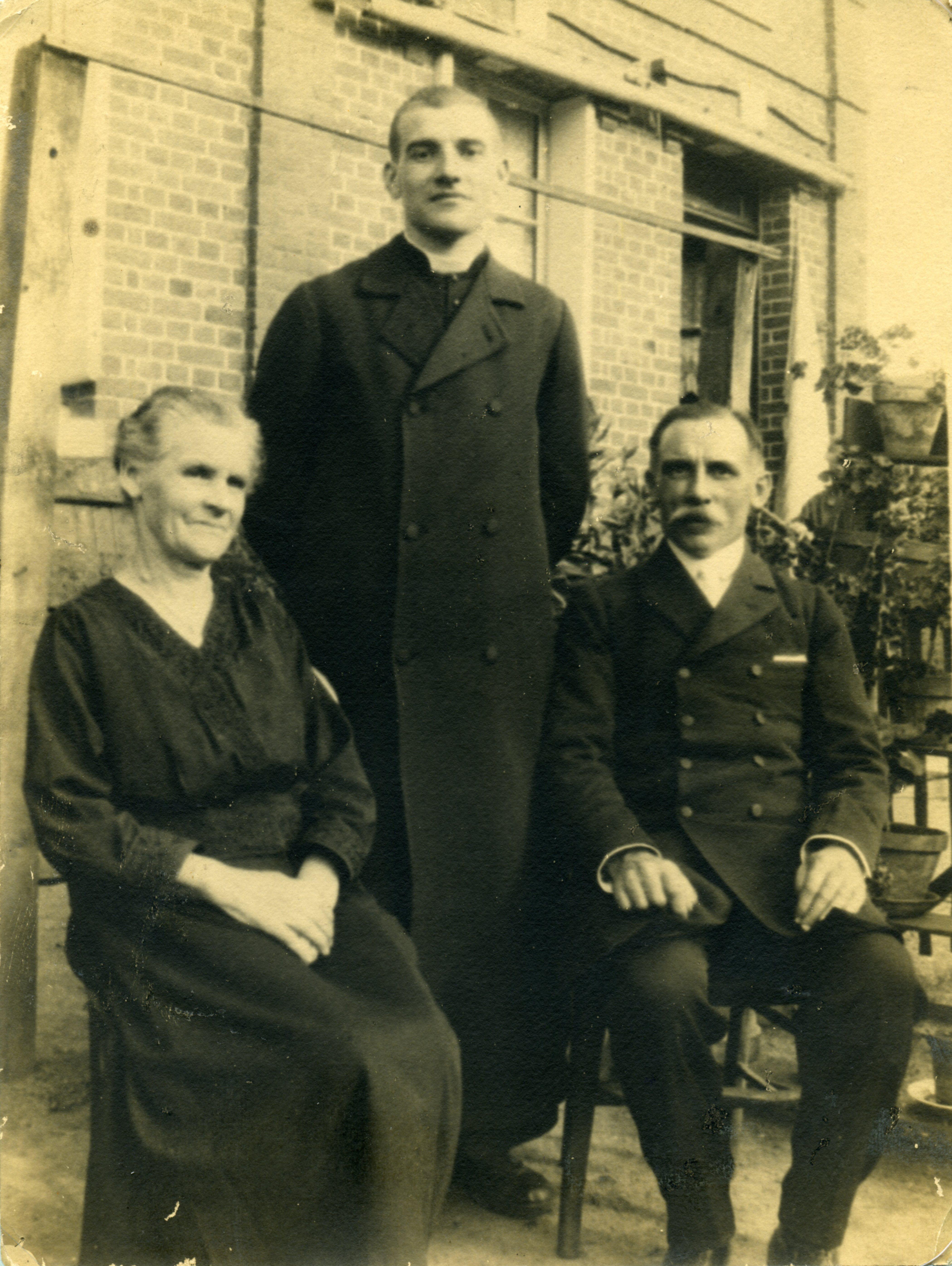 La famille Bunel, Jacques est l'enfant de droite